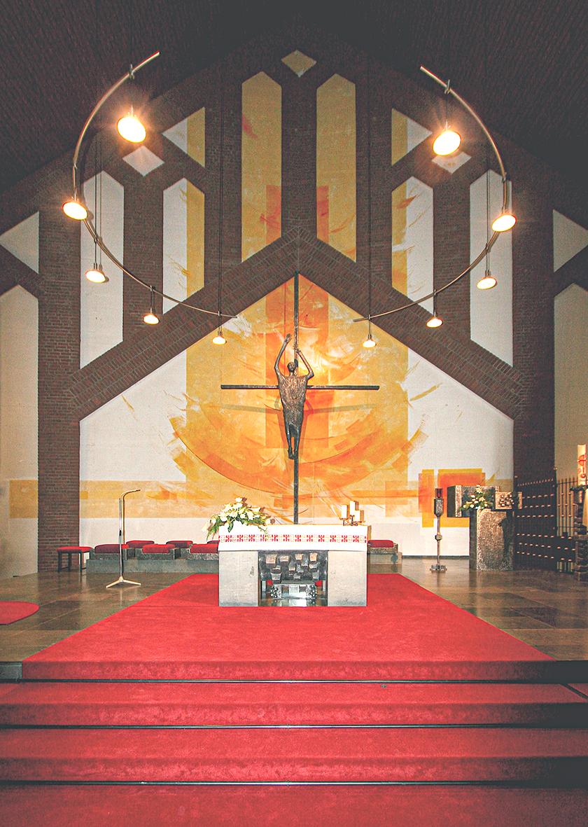 1_Kath. Kirche Emmelshausen, Altarwandmalerei, Glasgestaltung_2007