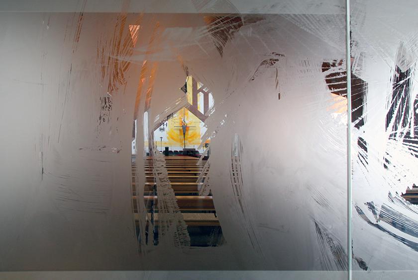 6_Kath. Kirche Emmelshausen, 6_Altarwandmalerei, Glasgestaltung_Ätzmattierung_2007