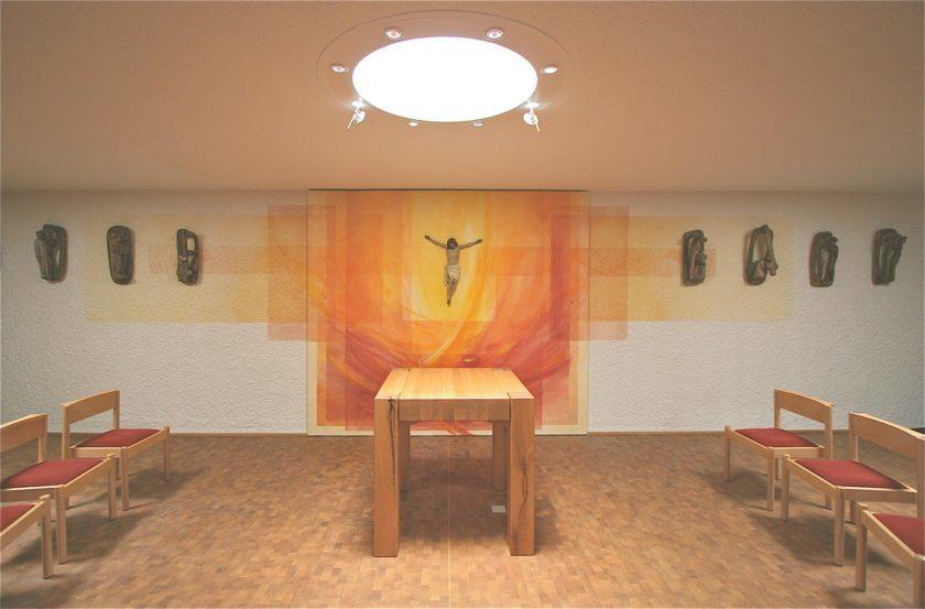 Kath. Kirche Merchweiler, Wandmalerei, Altar