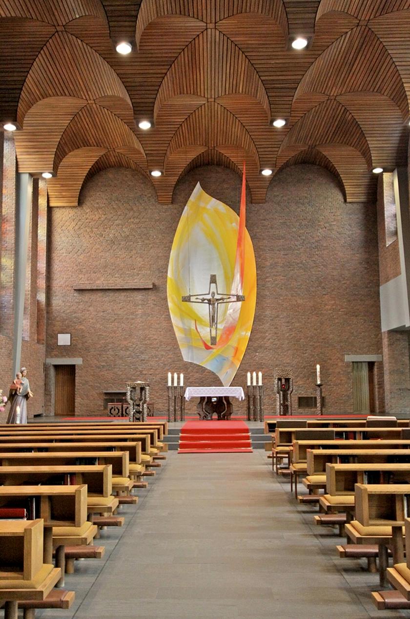 Klosterkirche der Styler Schwestern in Wickede- Wimbern, Rückwandgestaltung