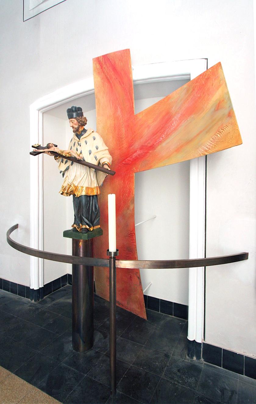 8_St. Georg Bensheim, Objektgestaltung Aluminium Relief, Vergoldung und Malerei, Entwurf Opferlichtleuchter E. Münch