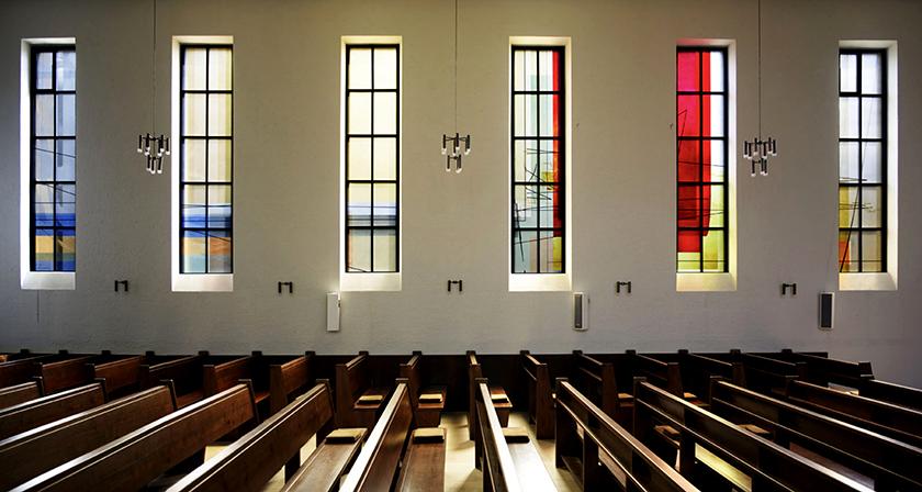 Glasgestaltung Heliandkirche Dortmund, 12 Fenster und Türanlage, Ausführung Glasstudio Derix, Taunusstein 2011 Fotos © Eva Schwarz/ Dortmund