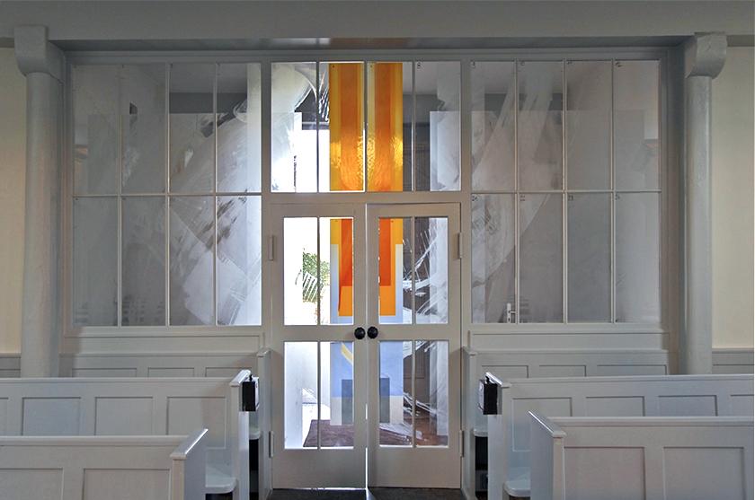 Ev. Kirche Hahnheim, Neugestaltung Eingangsbereich mit Glasgestaltung 2011