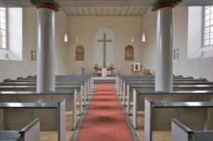 Ev. Kirche Hahnheim, Raumfarbfassung, Kreuz- und Glasgestaltung2011