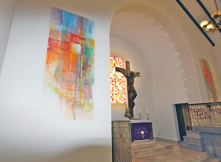 Ev. Kirche Oetinghausen, 2 Wandbehänge mit Kalligrafie, 2013