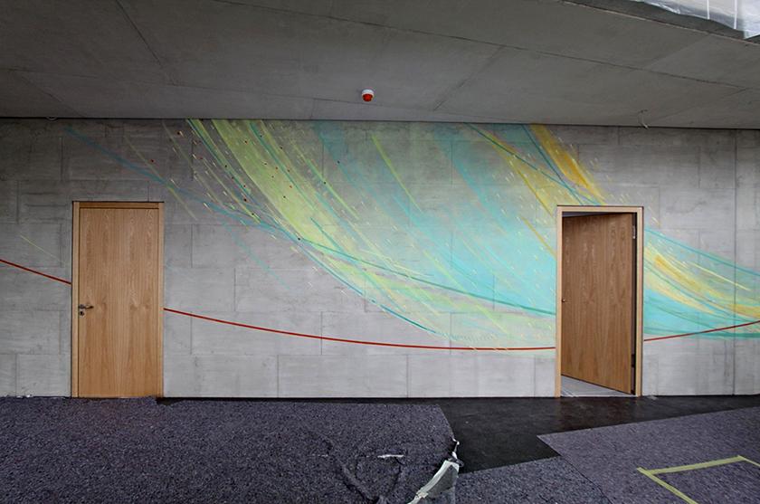 Wandgestaltung Schulzentrum St. Mathias Bitburg, Ich bin der Weg...Eingangsbereich, Malerei auf Beton
