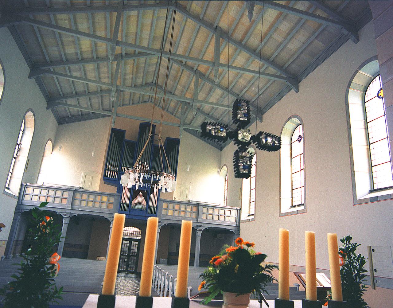 Ev. Kirche Freiendiez, Neugestaltung 1999